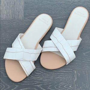 Cross strap A&F sandals — NEVER WORN